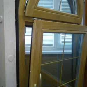 Пластиковые или деревянные окна