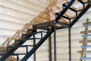 Обшивка металлокаркасов лестниц