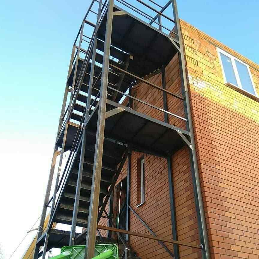 метал производстве лестниц на второй этаж