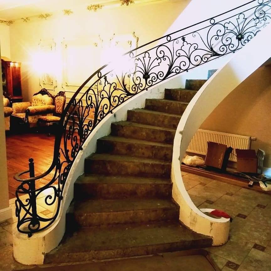 Винтоваые лестницы второго этажа в частном доме