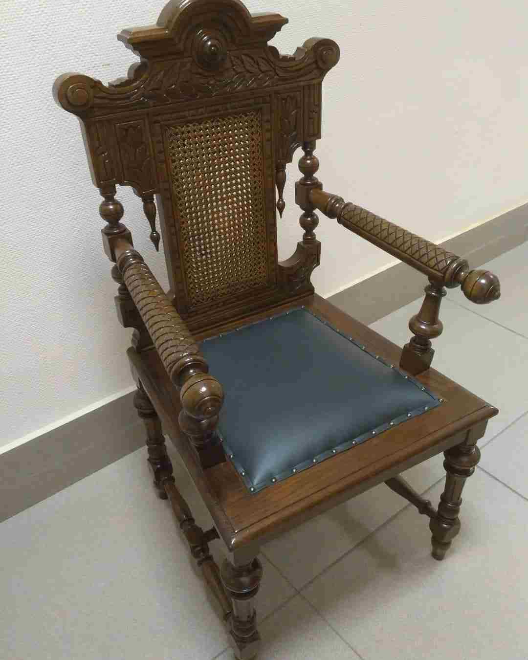 Перетяжка мягкой мебели в Ставрополе